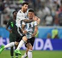 El defensor Marco Rojo anotó el gol de la clasificación. Foto: GABRIEL BOUYS / AFP
