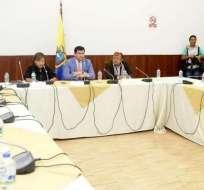 QUITO, Ecuador.- César Litardo (Alianza PAIS) y Ángel Gende (Alianza Tsáchila) lideran la mesa legislativa. Foto: Twitter