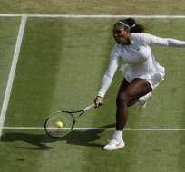 LONDRES, Reino Unido.- Serena Williams durante el partido de semifinales de Wimbledon. Foto: AFP