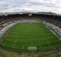 En el estadio Mineirao en la ciudad de Belo Horizonte se subastaron trozos de las redes de los arcos. Foto: AFP