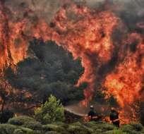 Incendios arrasaron una región al este de Atenas con saldo de 82 muertos. Foto: AFP
