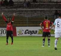El equipo azuayo venció 2-1 a la 'chatoleí' en el estadio Alejandro Serrano Aguilar. Foto: API