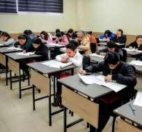 Más de 5.000 profesionales se inscribieron para realizar la prueba. Foto: CEAACES.
