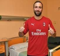 El AC Milan informó que el jugador argentino estaba en el proceso de chequeos médicos.