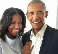 """A través de su cuenta en IG, Michelle dijo a Obama que """"la vista es mejor contigo""""."""