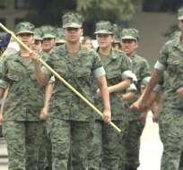 GUAYAQUIL, Ecuador.- 24 jóvenes realizan el acuartelamiento en la Base Naval Norte. Foto: Captura.