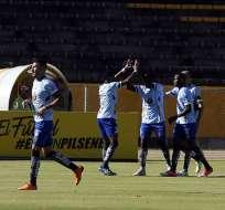 Los ambateños vencieron 1-0 a U. Católica, pero los 'toreros' aún deben jugar su partido. Foto: API