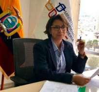 ECUADOR.- Mariuxi Gómez, quien llevaba cuatro días de encargada, rompió documentos en acto público. Foto: Archivo