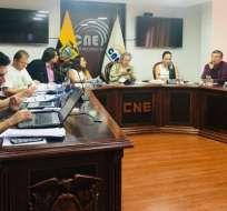 QUITO, Ecuador.- Se mantienen prohibiciones como ser afiliado o adherente a una organización política. Foto: Twitter