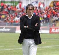El entrenador uruguayo asegura que el caso Nahuelpán no ha afectado el grupo. Foto: API