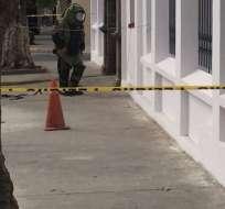 QUITO, Ecuador.- La Policía halló una caja abandonada y realizó una detonación controlada. Foto: Policía Nacional