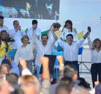 GUAYAQUIL, Ecuador.- El alcalde Jaime Nebot oficializó la candidatura de Carlos Luis Morales a la Prefectura del Guayas. API.
