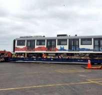 Buque que transporta el tren arribó la mañana del sábado al Puerto de Manta. Foto: @MetrodeQuito