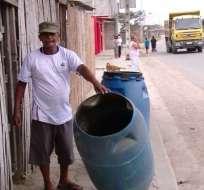 DURÁN, Ecuador.- La escasez de agua en esta ciudad ha generado molestias en la ciudadanía. Foto: Captura Video.