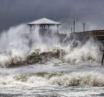 El ojo de Florence tocó tierra acompañado de peligrosas marejadas ciclónicas, vientos y lluvia. Foto: AP