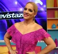 Gabriela Pazmiño en el set de En Contacto