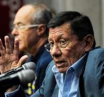 GUAYAQUIL, Ecuador.- Carlos Villacís le responde a Guillermo Almada referente al horario de los partidos. Foto: API