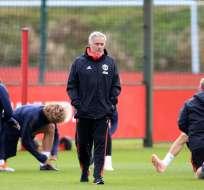 MÁNCHESTER, Reino Unido.- Medios ingleses han señalado que Mourinho podría abandonar su cargo esta semana. Foto: AFP