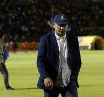 Néstor Landetta aseguró que no existe nada sobre la salida del técnico uruguayo (foto). Foto: API