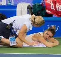 La tenista número del mundo se retiró en primera ronda del Abierto de China. Foto: NICOLAS ASFOURI / AFP