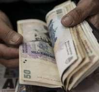 El peso argentino se ha devaluado frente al dólar en los últimos meses.