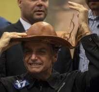Promete proteger jurídicamente a los agentes que puedan ser acusados de excesos. Foto: AFP