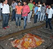 INDIA.- Entre las víctimas hay fieles que se habían congregado para un festival hindú. Foto: AP