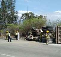 5 fallecidos en accidente de tránsito en Loja. Foto: Twitter
