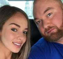 """""""The Mountain"""" contrajo matrimonio con su novia Kelsey Henson. Foto: Instagram"""