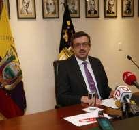 QUITO, Ecuador.- Assange debe seguir normas básicas ante su prolongada permanencia. Foto: API.