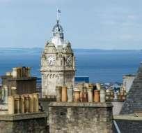 Según la leyenda, el reloj del hotel Balmoral está adelantado para que los amantes tengan más tiempo para besarse