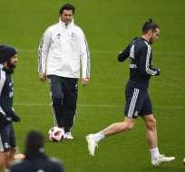 MADRID, España.- El elenco 'merengue' durante su entrenamiento, un día después de la salida de Lopetegui. Foto: AFP