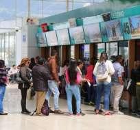 QUITO, Ecuador.- Los pasajeros acuden a los terminales para viajar a diversas partes del país. Foto: Cortesía
