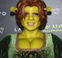 NUEVA YORK, EE.UU.- La supermodelo sorprendió nuevamente con su disfraz para Halloween. Fotos: AP.