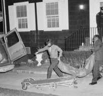 En noviembre de 1974 Ronnie De Feo, de 23 años, mató de manera metódica a sus padres y sus cuatro hermanos.
