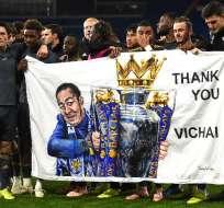 """Todos los jugadores usaron una camiseta con la leyenda """"Khun Vichai"""". Foto: OLI SCARFF / AFP"""