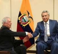 El premiado escrito peruano disertó en Guayaquil sobre el liberalismo. Foto: Secom