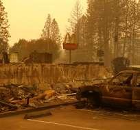 Local de McDonald's fue destruido por un incendio forestal en el poblado de Paradise, en el norte de California. Foto: AP