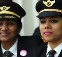 En India, las aerolíneas buscan resolver la alta demanda de viajes aéreos con mayor contratación de mujeres. Foto: Getty Images