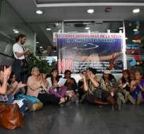 Manifestantes reclaman licitación de bloques petroleros en la Amazonía. Foto: API