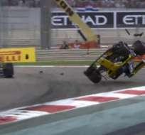 ABU DABI, Emiratos Árabes Unidos.- El piloto alemán salió ileso del accidente.