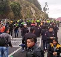 Paro provincial cierra el paso en Rumichaca y se suspende clases en Tulcán. Foto: @Reychris6