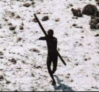 Quiénes son los sentineleses, la tribu aislada que mató a flechazos a un aventurero estadounidense
