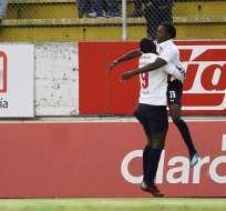 Los 'albos' ganaron 3-1 en el 'superclásico quiteño' jugado en el estadio Chilogallo. Foto: API