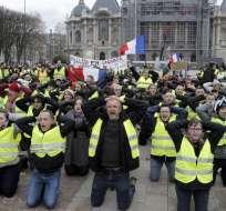 Macron se dirige al país para intentar desactivar la crisis en Francia. Foto: AFP
