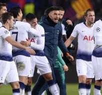 El equipo inglés empató 1-1 ante el elenco español que puso un equipo alterno. Foto: Josep LAGO / AFP