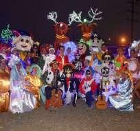 Listas las carrozas para el desfile navideño en Guayaquil.