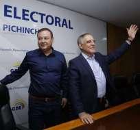 Paco Moncayo inscribió su candidatura en el CNE. Foto: API