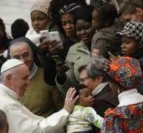 Francisco a sacerdotes que hayan abusado niños: Entréguense. Foto: AP