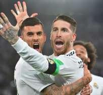 ABU DABI, Emiratos Árabes Unidos.- El capitán del Real Madrid Sergio Ramos (derecha) anotó un gol al minuto 78. Foto: AFP